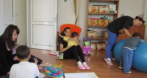 Русенски студенти са любимци на децата от Розовата къща