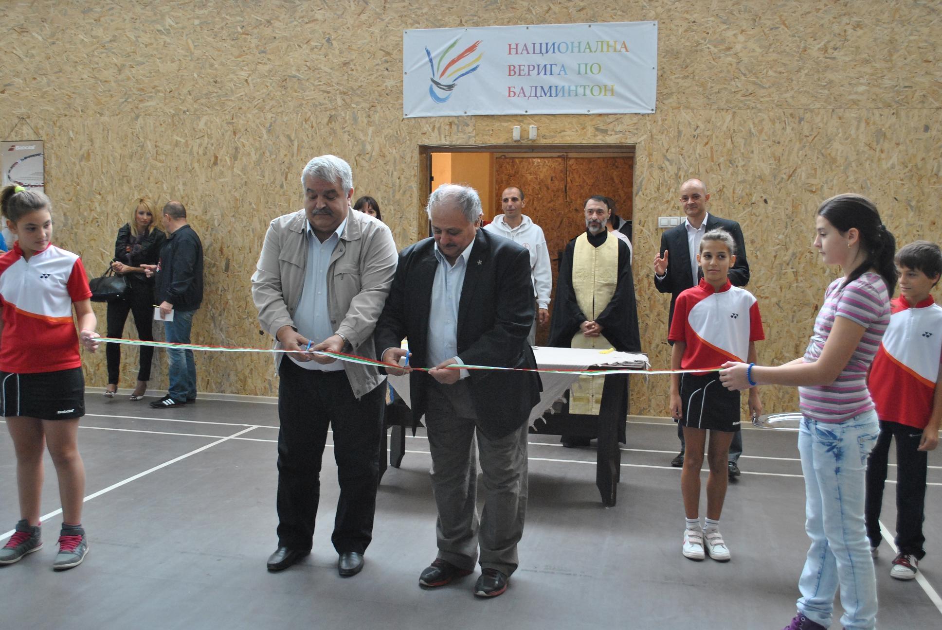Photo of Откриха официално спортна зала по бадминтон в Русе