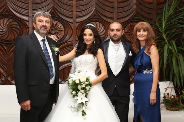 Photo of Шефът на СДС задоми дъщеря си