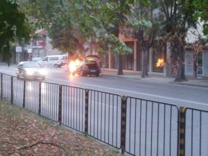 Във фейсбук тръгна акция на набиране на кръводарители за обгорелия 23-годишен варненец, който бе настанен в русенската болница, след като колата му се подпали край Стражица.