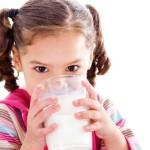 Мляко без лактоза и ензим на хапчета спасяват от лактазна недостатъчност