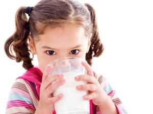 С помощта на млеката без лактоза малчуганите могат да се хранят балансирано.