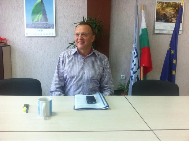 Photo of Нунев прати дядо да сменя става
