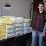 Дариха стотици пакети памперси на русенските четиризнаци