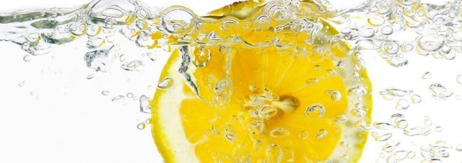 Photo of 5 причини да посягаме сутрин към вода с лимон