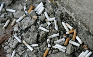 експертите отчитат, че е намаляла зависимостта от тютюнопушене при младите хора д 14,3%, както и прекарването на личното време в среда на тютюнев дим.