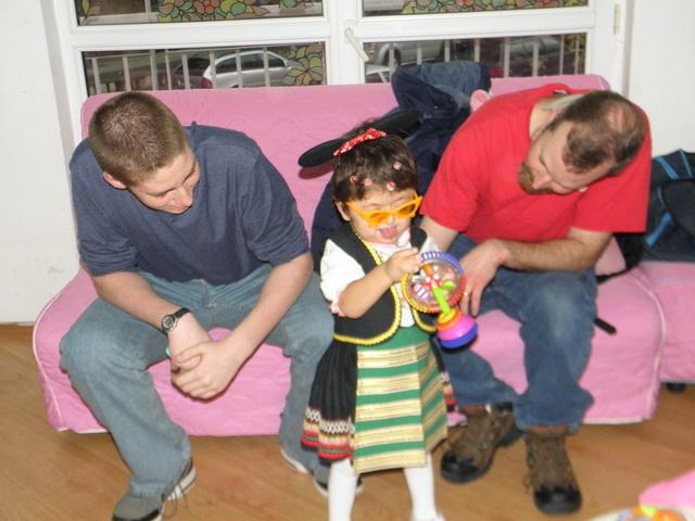 Photo of Малката Серенита намери новото си семейство в страната на Уолт Дисни