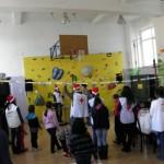 30 деца от приемни семейства празнуваха с Дядо Коледа