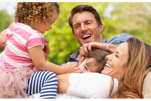 Един лектор беше казал, че най-доброто, което може да даде един баща на своето дете, е да обича неговата майка