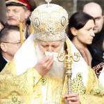 Патриарх Неофит се излекува от грип с молитви