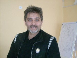 Негативните слова увреждат нашата ДНК, казва Ивомир Димчев.