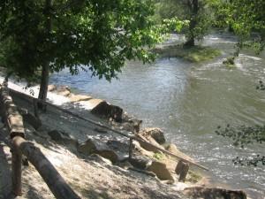 Изглед към реката