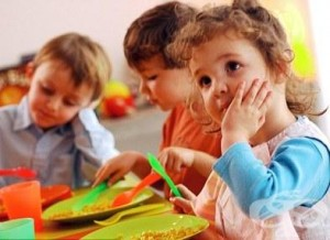 По новата наредба децата от 0 до 3-годишна възраст, получаващи храна от млечната кухня, са разделени на три подгрупи