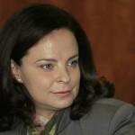 """Министър Андреева : Здравната каса минава на """"ръчно управление"""""""