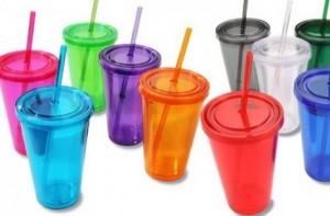 Харвардски учени са установили, че консумирането на храни и напитки, които са съхранявани в пластмасови опаковки, повишава с повече от 2/3 съдържанието на вещества в организма, които оказват влияние върху половите хормони.