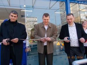 Кунчо Кунчев и собствениците прерязаха лентата на модерен рибен магазин