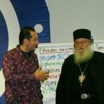 Отец Иван от Нови хан получи дарение навръх рождения си ден