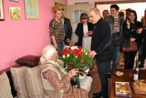 Много гости внесоха допълнително настроение в дома на баба Станка