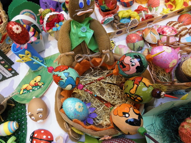 Photo of Великденски благотворителен базар организираха деца в риск