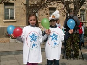 Василена и другарчето й, разказаха за своя приятел от класа Кристиян, който е аутист