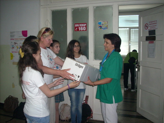 Photo of Специална лампа дариха на Педиатрията в Русе