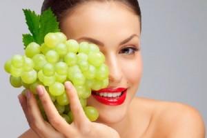 маслото от грозде е и една незаменима козметична съставка заради способността му да контролира хидробаланса на кожата.