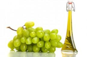 Маслото от гроздови семки е много ефикасно средство за лечение.