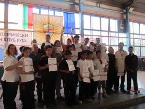 """5 медала завоюваха младите щангисти на ТСК """"Русе""""."""