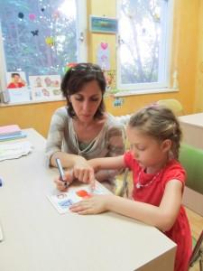 Логопеди помагат в подготовката на детето за първи клас.
