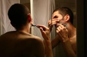 Препоръчва се на мъже с чувствителна кожа след бръснене.