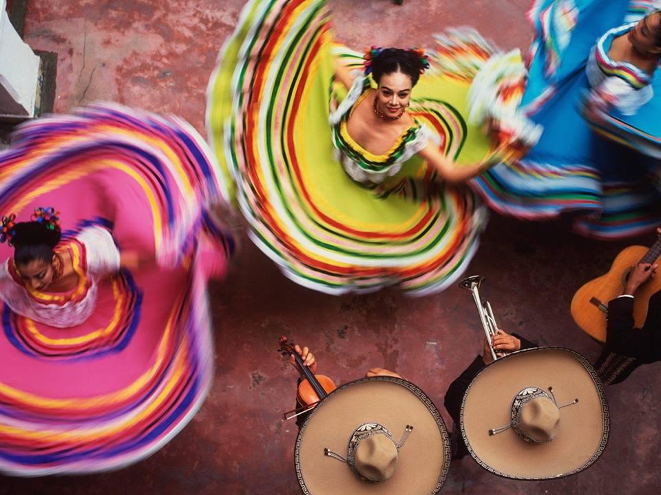 """Една от най-колоритните фолклорни формации, гостуващи на русенци, ще бъде Фолклорна компания """"Vidanza"""" от Мексико"""
