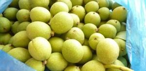 Сладко от малки зелени орехи – вкусно и полезно