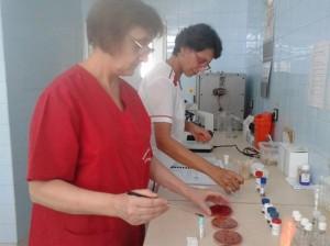 """Краят на лятото е времето на късните чревни инфекции, бият тревога микробиолозите на лаборатория """"Здраве"""" –Русе"""