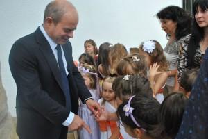 Кметът поздрави децата преди старта на церемонията