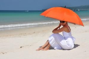 15 % от активно плажуващите хора, развиват едно сравнително модерно заболяване, наречено слънчева алергия.