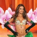 Тайната на Алесандра Амброзио за безупречно тяло