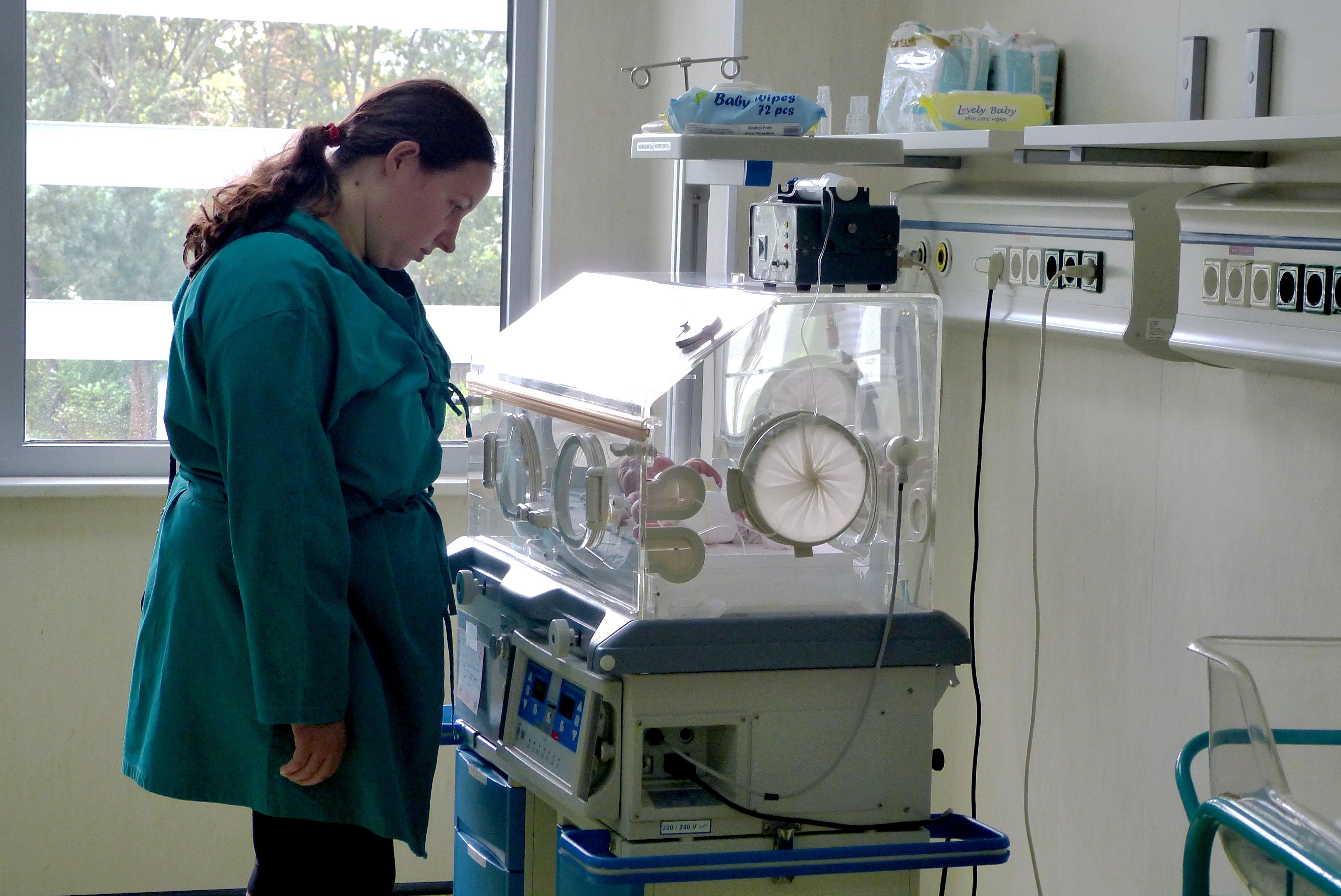 Photo of В русенската неонатология спасяват мини бебета