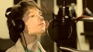 """Текстът на музикалната творба е на русенската учителка Анета Мутафова, а изпълнител е 9-годишният Кристиян Цонев, солист на детска вокална група """"Слънце"""""""