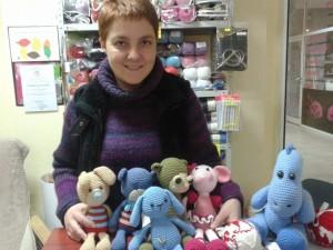 Плетените играчки на Деси са нетрадиционни, но много красиви