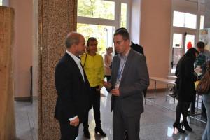 """Лично кметът на Русе Пламен Стоилов откри днес международния форум- изложение """"Здраве, щастие, красота""""  в Доходното здание."""