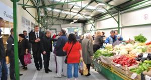 """Нов пазар с пресни плодове и зеленчуци за жителите на """"Чародейка-юг"""" в Русе"""
