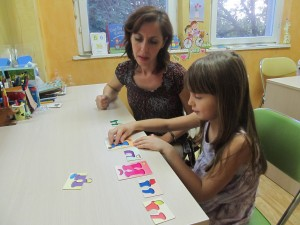 Специалистите уточняват, че дислексия може да се диагностицира и при пациенти с мозъчни увреждания