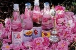 Около 300 различни вещества се съдържат в розовото масло.