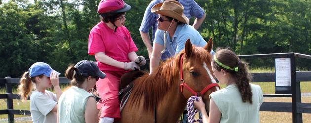 Photo of Терапия с коне ще помага на деца и младежи