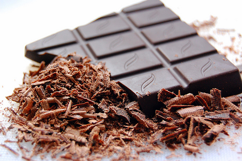 Много изследвания са показали, че тъмният/черен шоколад е полезен за мозъка