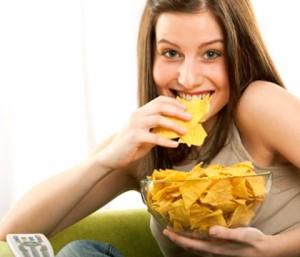 Спад на интелигентността се наблюдава при хората, които ежедневно се хранят с чипс, бургери, пържени картофи и всякакъв джънк фууд.