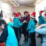 """Младежи от трите къщички """"Вяра"""", """"Надежда"""" и """"Любов"""" участваха в коледно празненство в Дневен център за младежи с увреждания"""