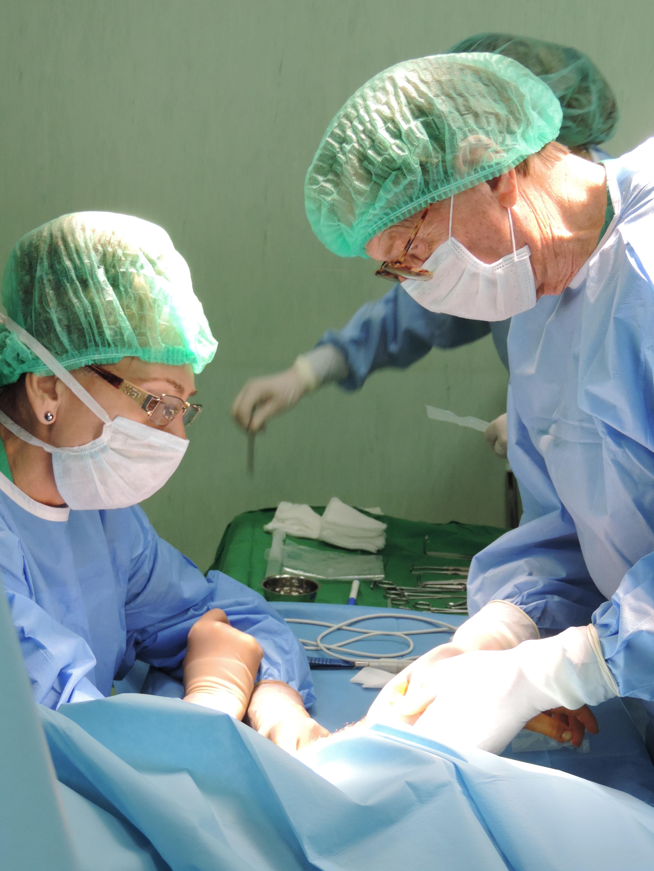 """Photo of Създател на микрохирургията на посещение в """"Софиямед"""""""