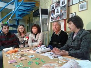 Галя Бисет/отдясно/ и ромският лидер Иван Христов/до нея/ са ентуасти, че нещата ще се случат