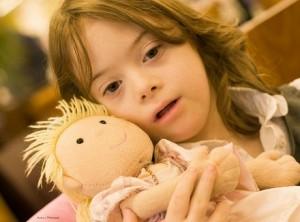 Децата със Синдром на Даун обикновено са мили и усмихнати